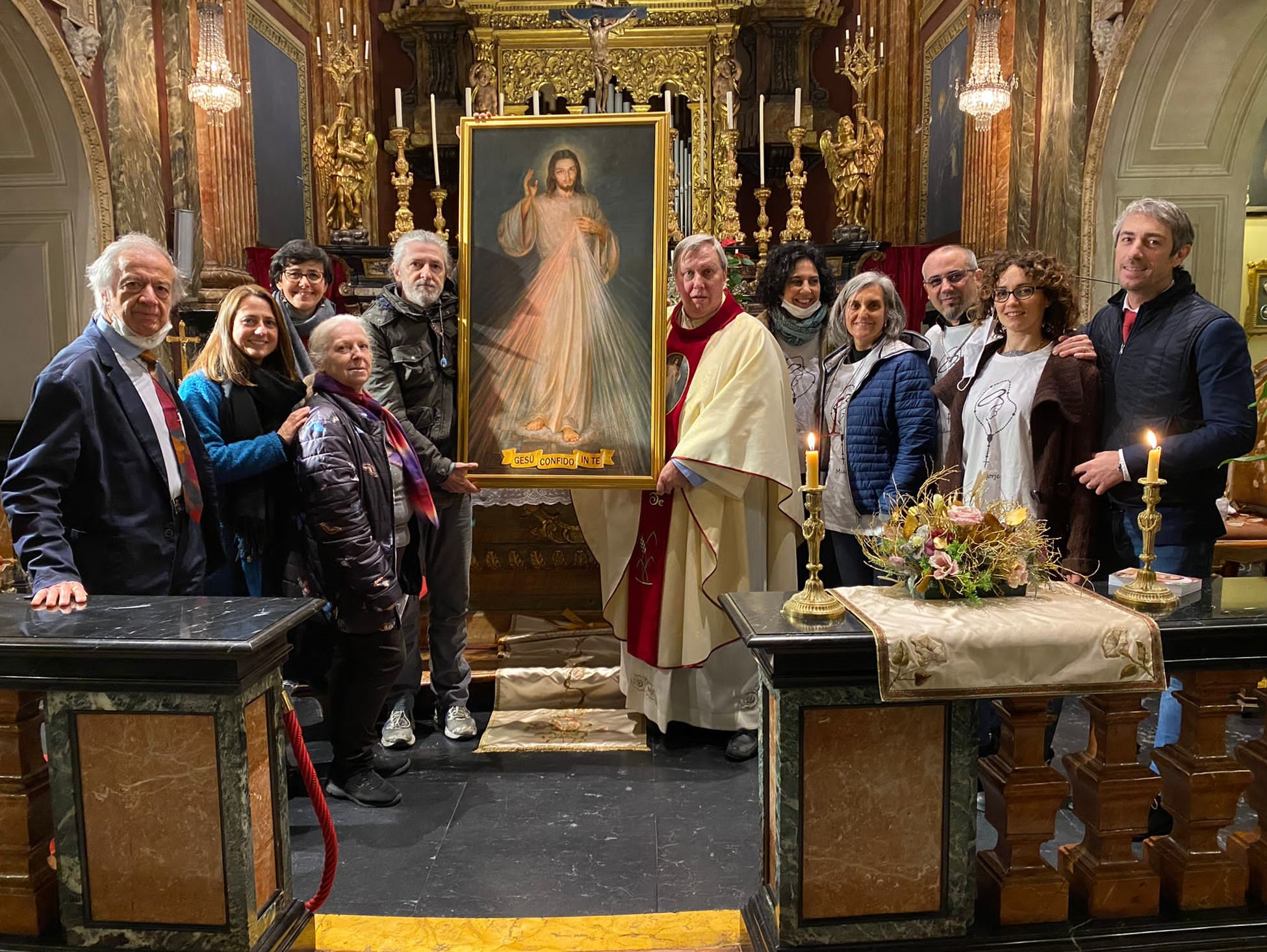 Don Lorenzo con gli apostoli di Tori no, Camillo è il primo da destra